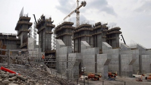 The construction site of the hydroelectric facility at Muskrat Falls, Newfoundland and Labrador is seen on July 14, 2015. (Andrew Vaughan / The Canadian Press)