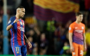 Barcelona's Neymar celebrates scoring his side's 4th goal during a Champions League, Group C soccer match between Barcelona and Manchester City, at Camp Nou stadium in Barcelona, Wednesday, Oct. 19, 2016. (AP Photo/Manu Fernandez)