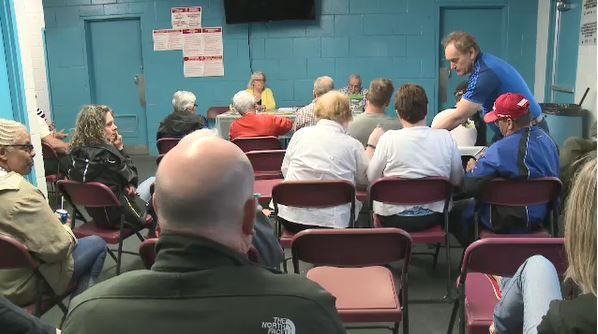 Louis Street residents hold meeting