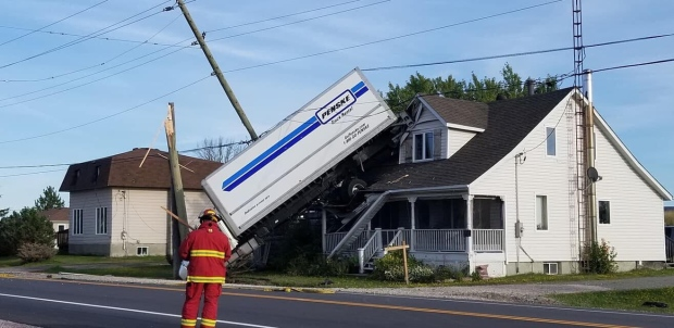 Commercial truck crashes in Alban